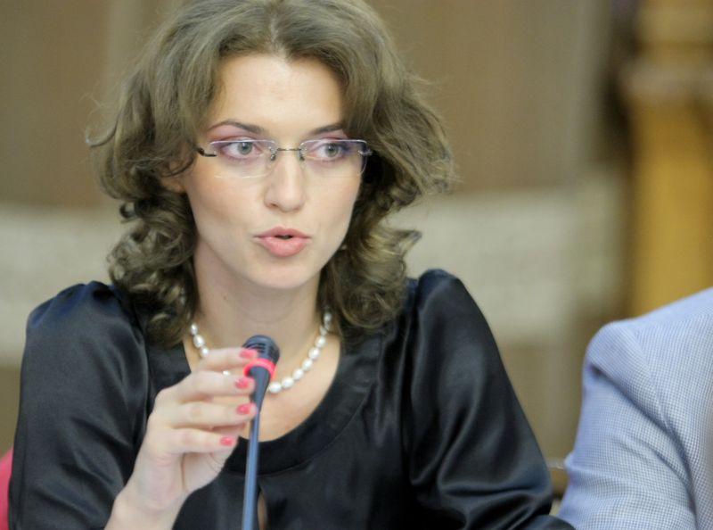 Alina Gorghiu, succesoarea lui Klaus Iohannis în postul de președinte al PNL