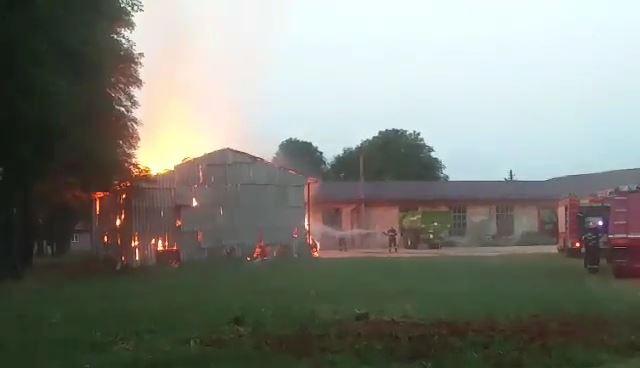 Incendiu depozit baloti Tirnava 2
