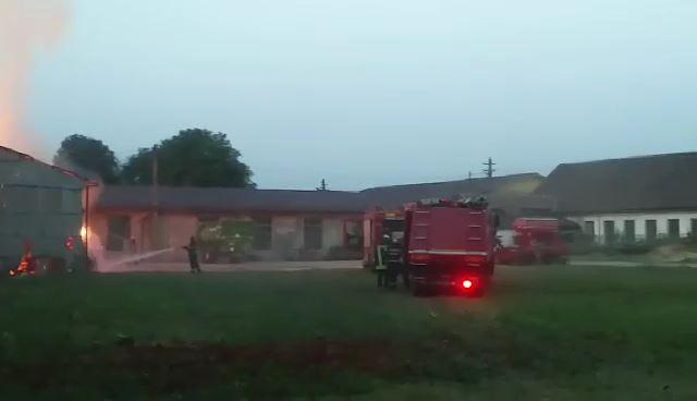Incendiu depozit baloti Tirnava 3